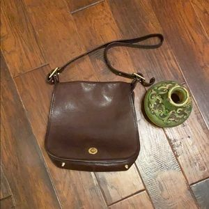 Coach leather shoulder bag - very good condition